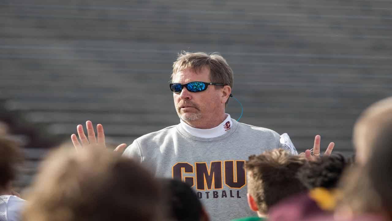 Central Michigan Chippewas head coach Jim McElwain