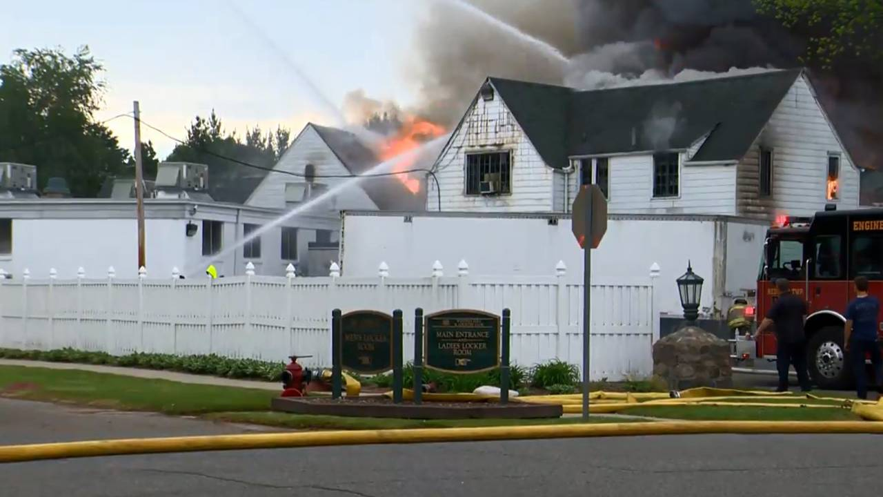 Fire at Western Golf and County Club in Redford Township_1527854526742.jpg.jpg