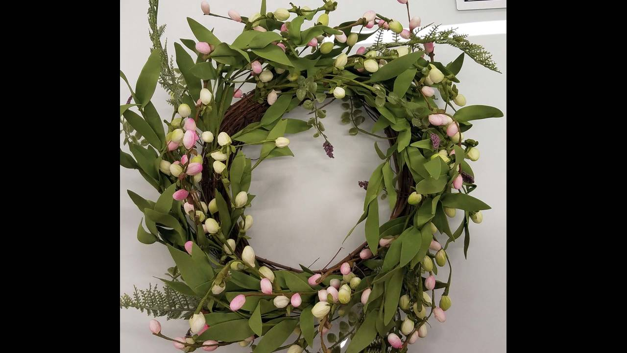 wreath_1555105605136.jpg
