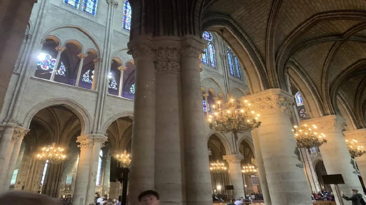Notre Dame inside 04162019