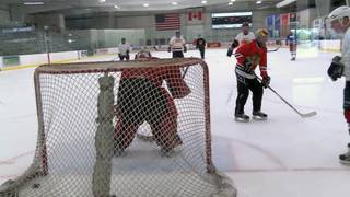 91-year-old man continues to play hockey twice a week