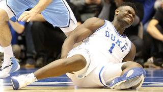 Zion Williamson injures knee after Nike shoe bursts