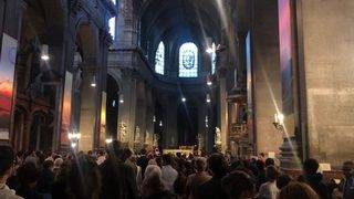 Parishoners hold Good Friday Mass in wake of Notre Dame Cathedral fire