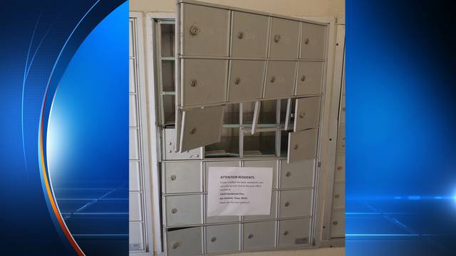 North Side apartment complex targeted by mail thieves