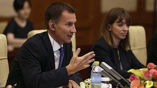 Top UK diplomat to call for more Russia sanctions during US visit