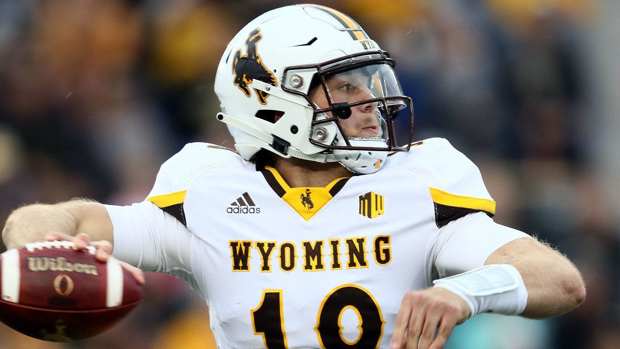 Wyoming Football Vs Wofford Time Tv Schedule Game Preview