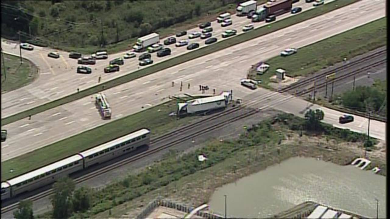 chopper train vs truck ax Missouri City 9-21-2018