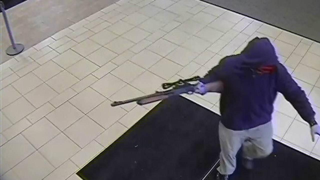 robbery chase leaving_1475287770448.jpg