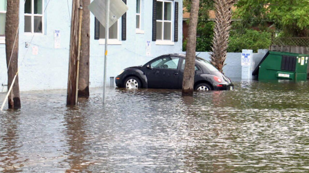 Irma-car-flooded-dumpster-3_1534015055201.jpg