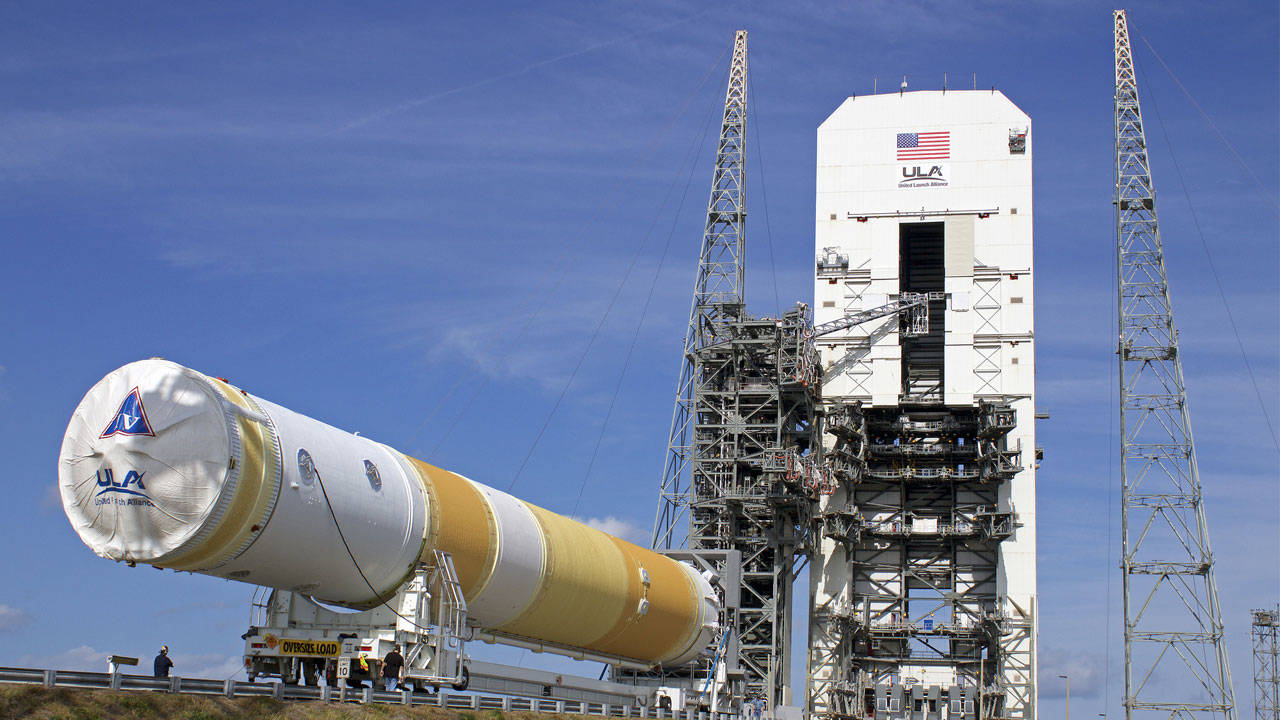 Here's How The Saturn V Rocket Compares To Today's Rockets