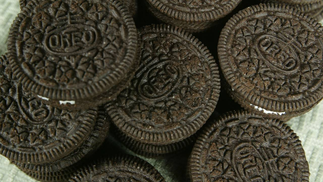 Hbo Oreo Recreate Game Of Thrones Main Title Sequence With