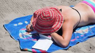 Avoid sun poisoning and end the summer safely