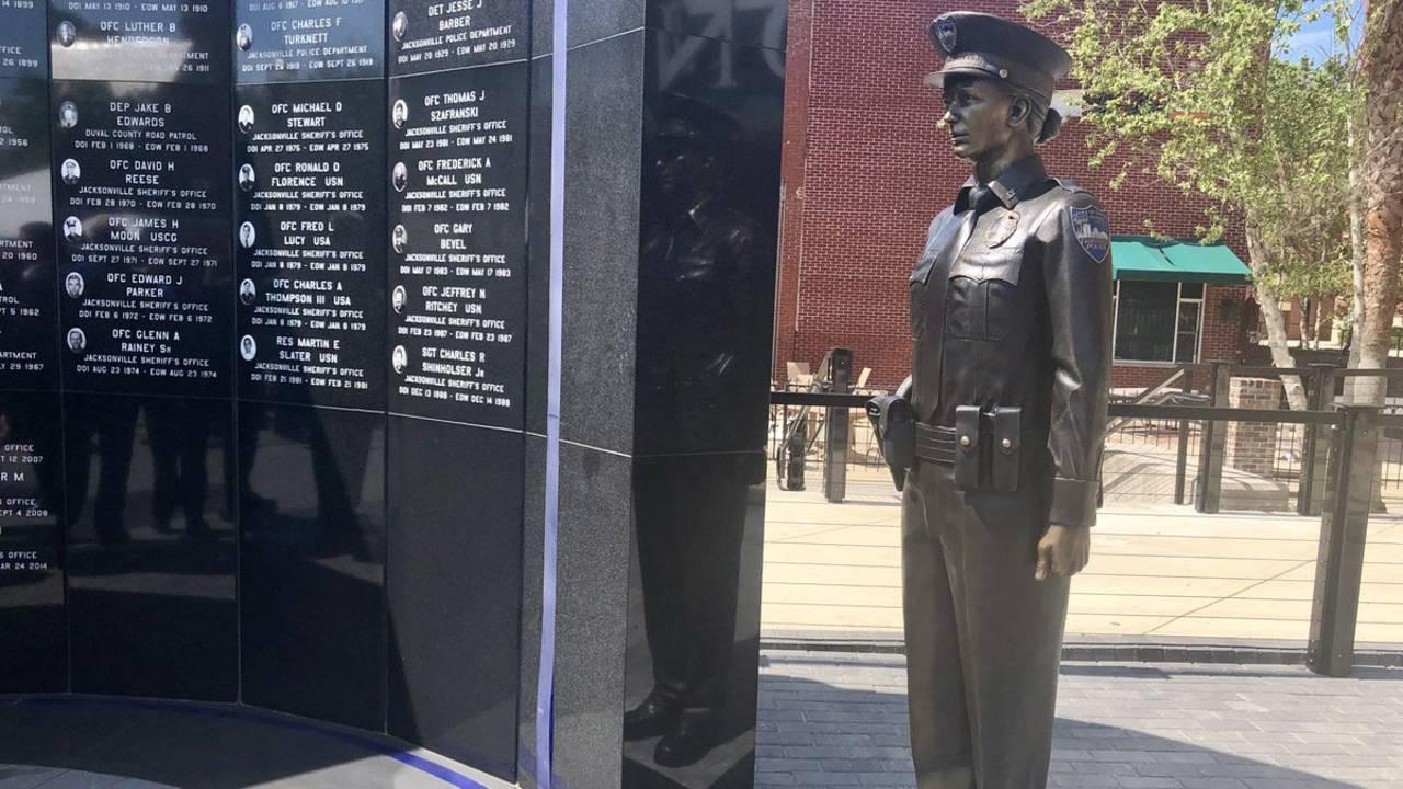 Officer-statue-woman_1524771889850.jpg