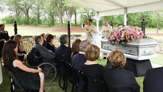 Bush family shares photos of Barbara Bush's burial