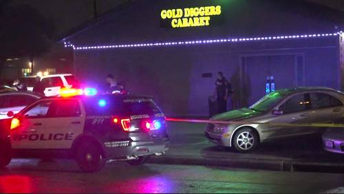 2 security officers hurt after person opens fire on nightclub