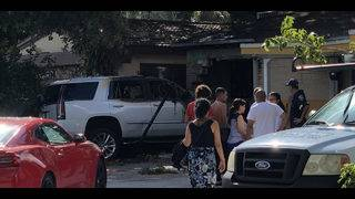 3 hurt after SUV slams into Hollywood home, burst into flames