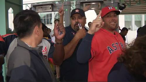 Fans look ahead to Game 4 of ALCS