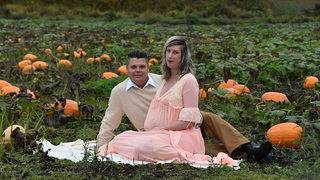 Couple's viral maternity photo shoot has terrifying, hilarious surprise