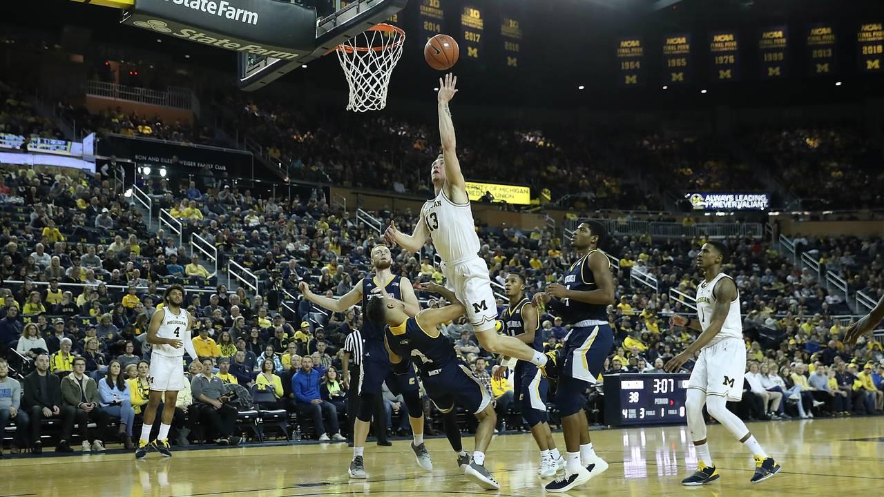 Ignas Brazdeikis Michigan basketball vs Chattanooga 2018