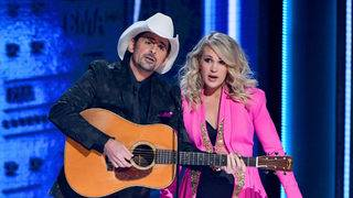 Carrie Underwood reveals her baby's gender at the CMAs