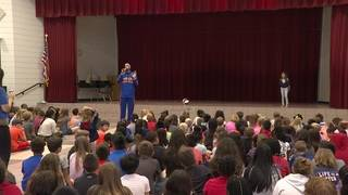 Harlem Globetrotters talk to children about bullying prevention