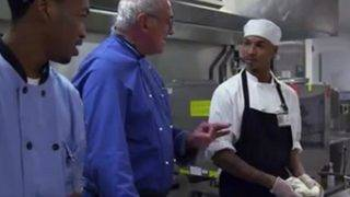Chef Trains Inmates to Work in Professional Kitchens to Keep Them From…