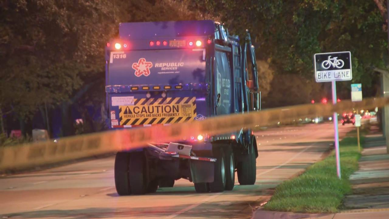 Garbage truck with rear damage in Lauderhill