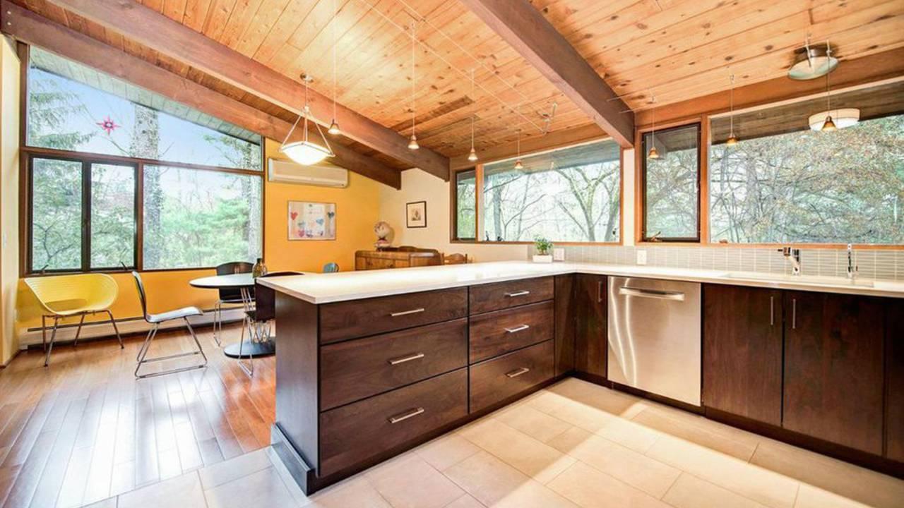 4194 Thornoaks Dr kitchen