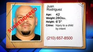 Fugitive surrenders within one day of being featured on KSAT-12