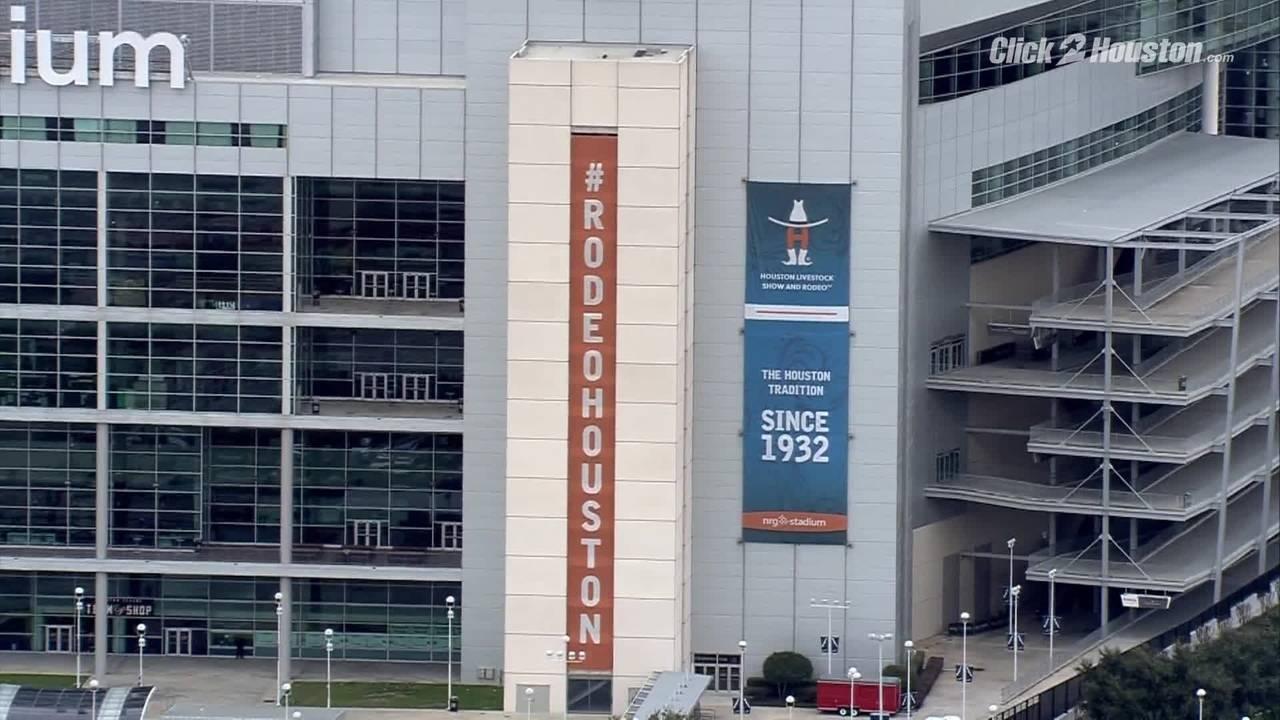 Houston Rodeo signage up at NRG Stadium on Jan 30, 201920190130230223.jpg