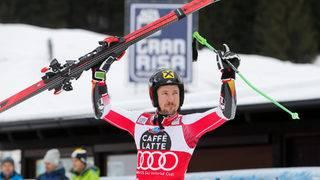 Marcel Hirscher marches toward Vonn win mark