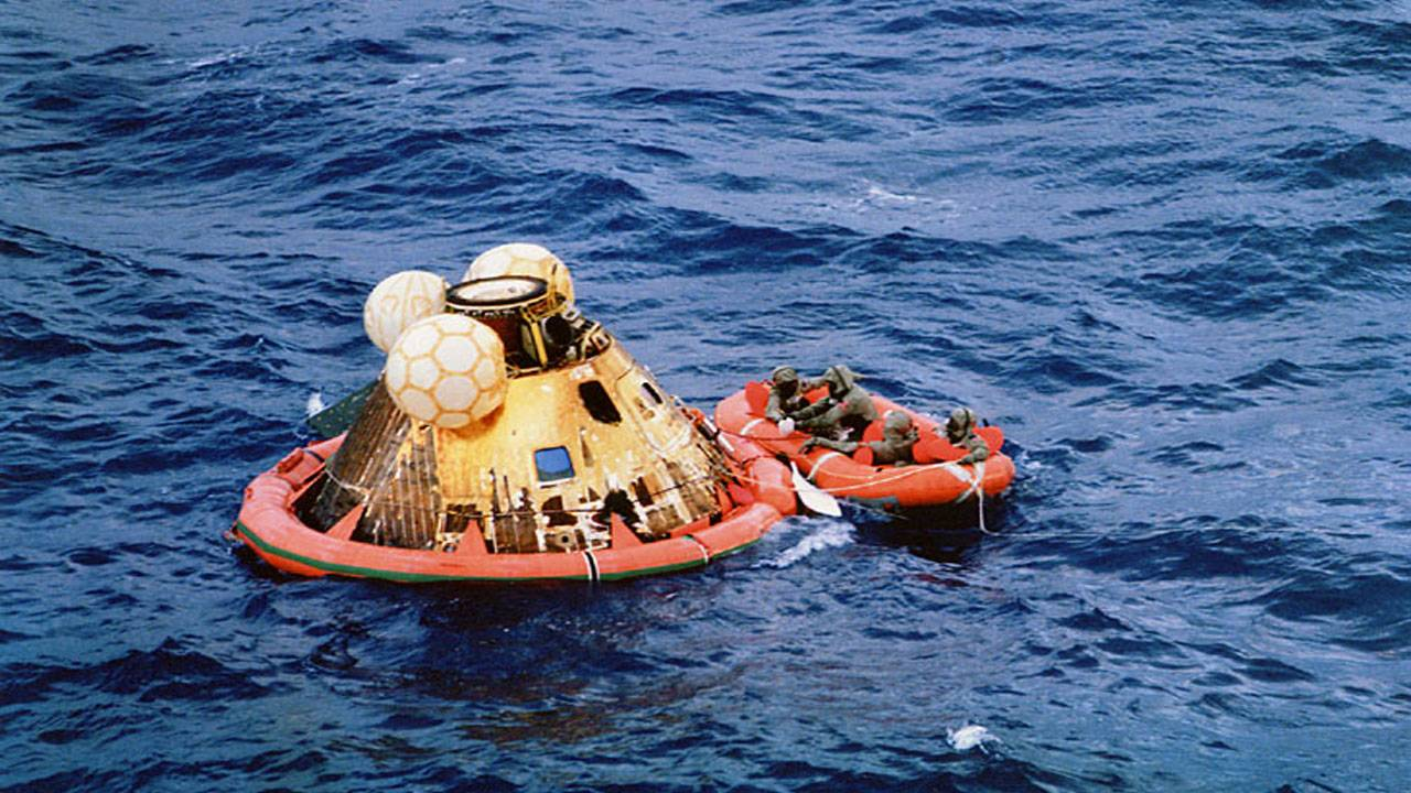 splashdown Apollo11
