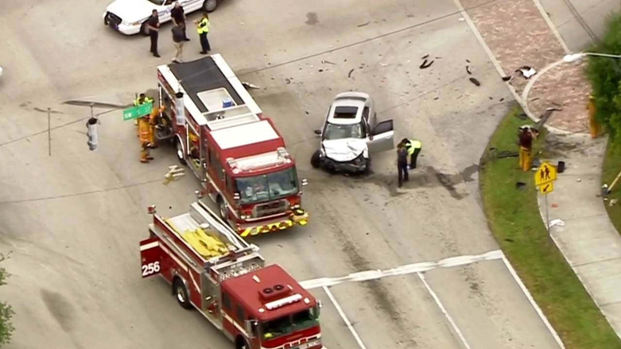 2 people extricated from SUV after crash in Plantation