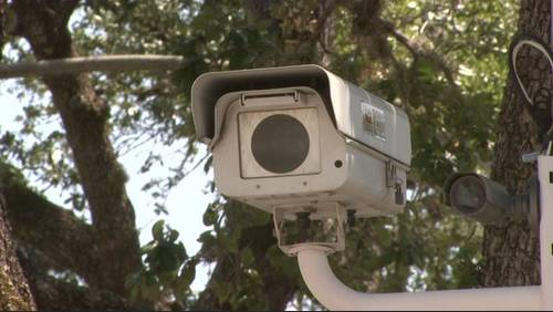 Gov. Abbott calls for removal of red-light cameras in latest re-election push