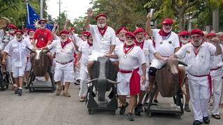 Hemingway lookalikes take to streets of Key West