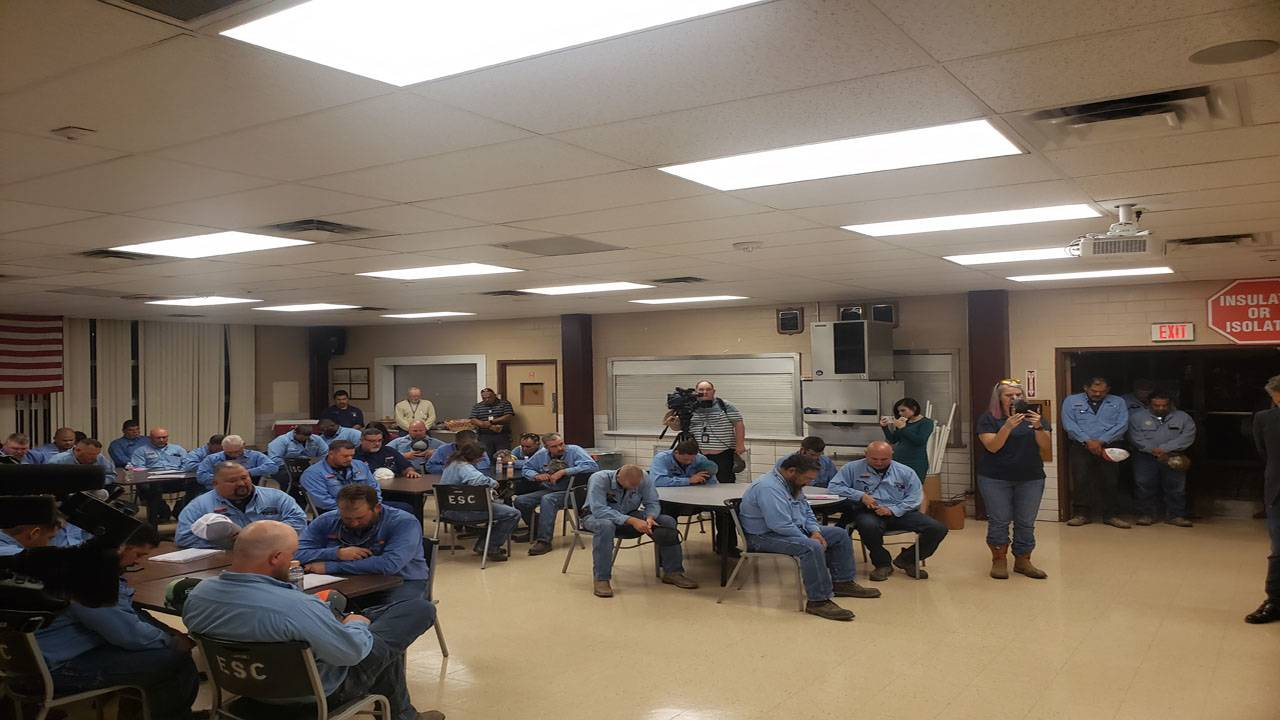 CPS energy workers prep before florida trip_1567594413030.jpg.jpg