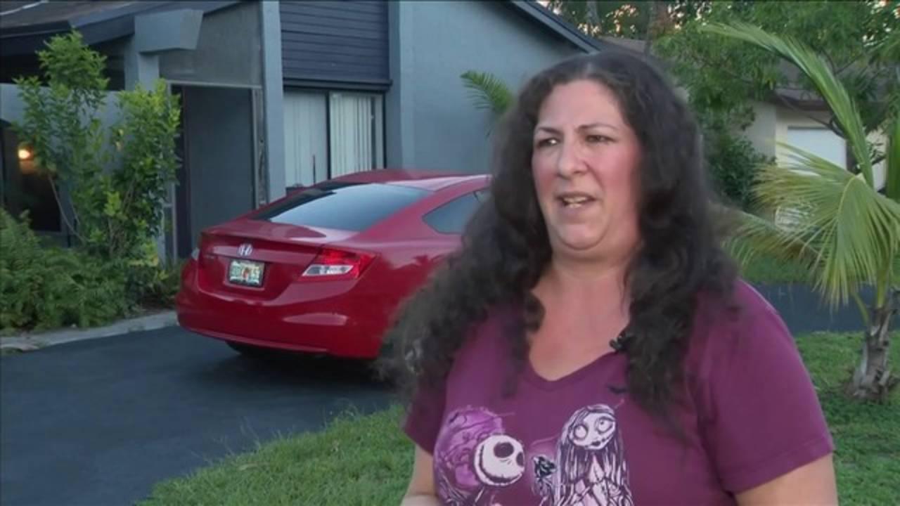 South Florida woman gets a sharp surprise at Walmart20180814032444.jpg