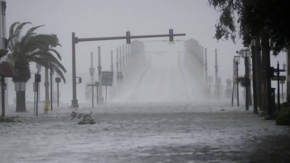 Wind, water from Hurricane Matthew batter downtown St. Augustine