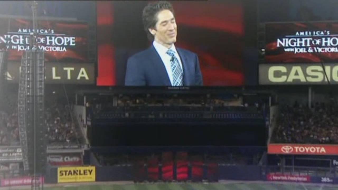Joel Osteen at Yankee Stadium Night of Hope_26469218
