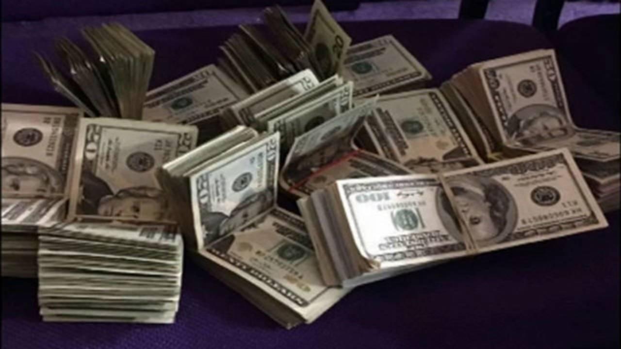 money-text-sent-by-pastor_1493943825636.jpg