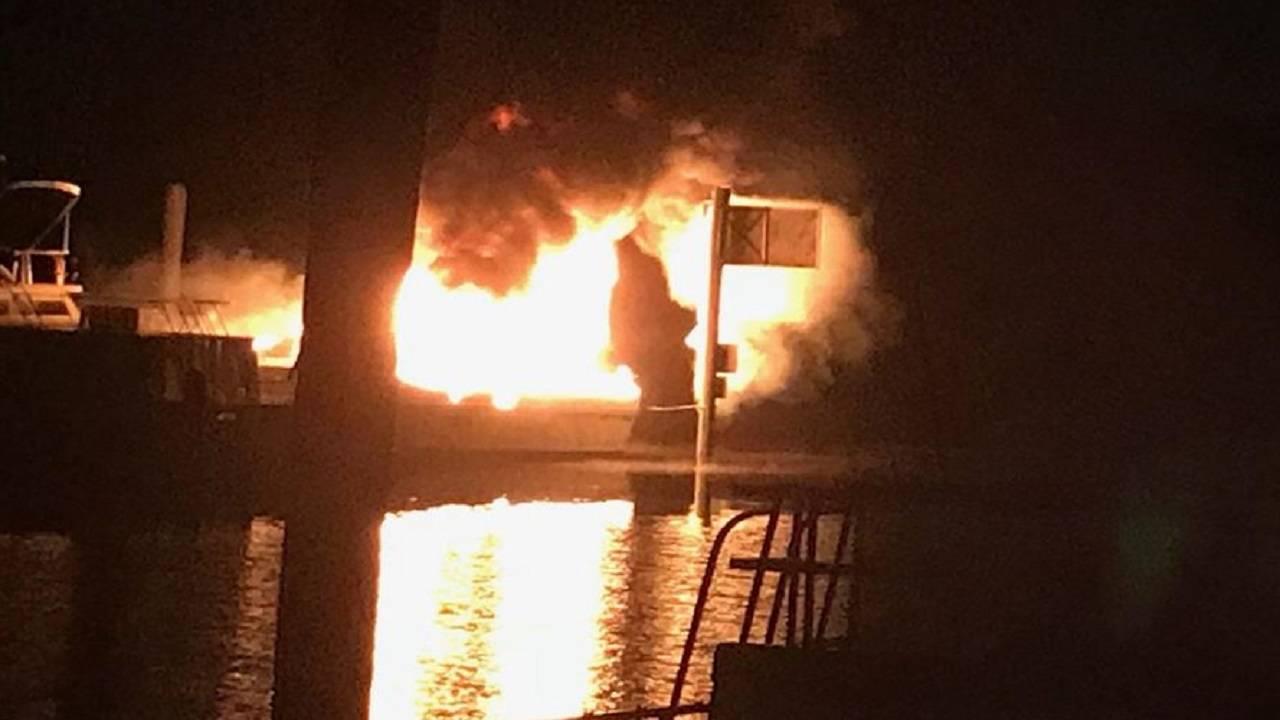 Boat fire at Sanford marina