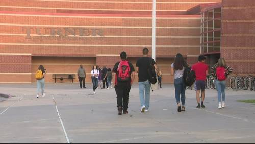 Pearland ISD welcomes students for first day of school