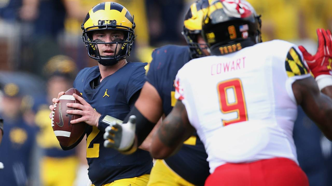 Shea Patterson in pocket Michigan football vs Maryland 2018_1539010828976.jpg.jpg