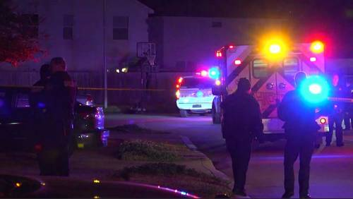 Man kills self in front of deputies after returning daughter to his parents' home