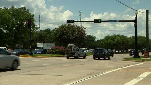 Turned off! Sugar Land residents react to red-light traffic camera ban