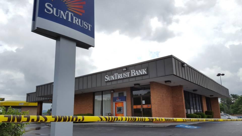 SunTrust robbery 051718_1526566922989.jpg.jpg