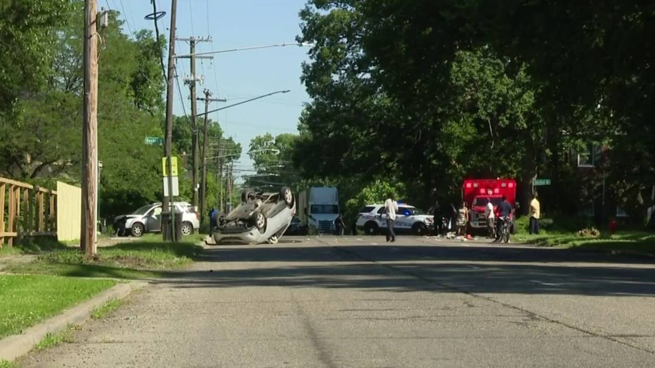 Distracted driving crash 4 children injured Detroits east side scene