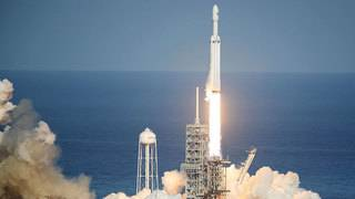 SpaceX launches Falcon Heavy rocket for first time