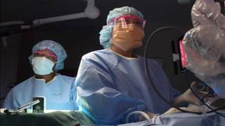 Robotic surgeons ease hysterectomy procedures, reduce complications