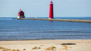 Judge tells Michigan lighthouse lens collector to give up the